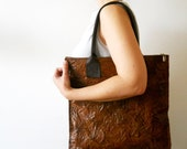 NOW ON SALE - Wrinkled leather bag - Brown with dark brown strips
