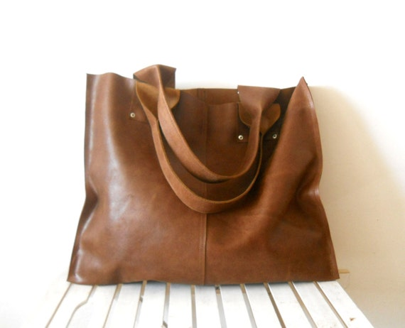 Oversize leather tote bag for every day use brown