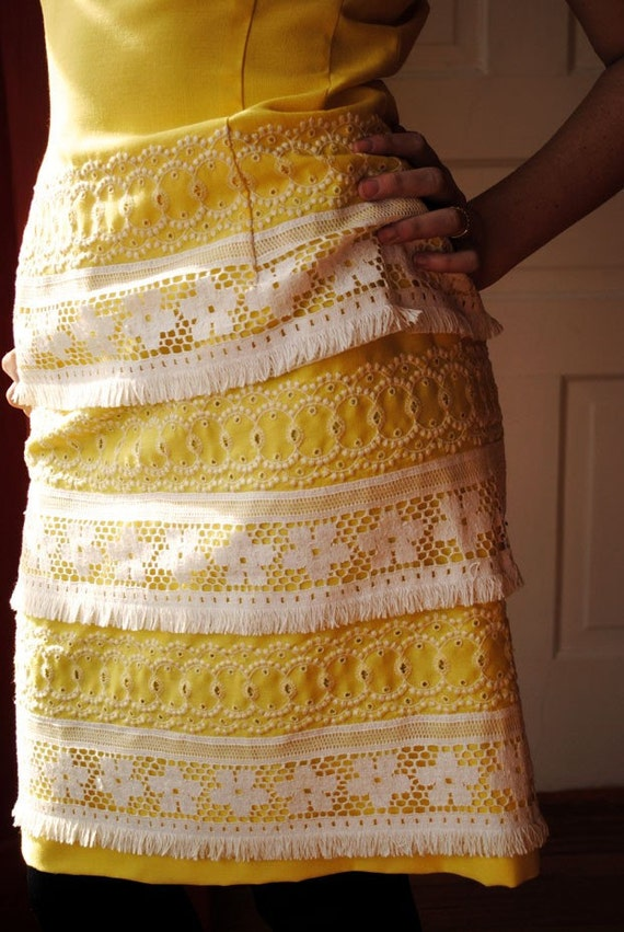 CLEARANCE SALE - Vintage 1960's Sunshine Yellow and Lace Cotton Fitted Shift Dress M