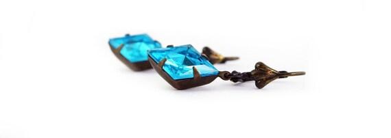 Aquamarine Glass Jewels Earrings