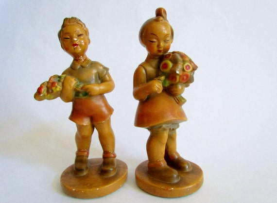 Vintage chalkware figurines, Robiaware mid century Asian children picking flowers