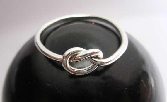 Love Knot Ring in 16 gauge Sterling Silver - Single Celtic Design