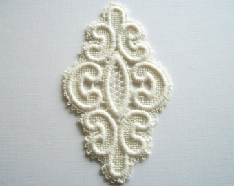 Oval Venice Lace Piece Ivory Cotton Vintage Applique for Couture Altered Art Costume or Jewelry Design