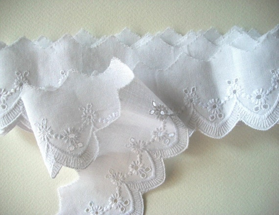 CottonTrim Broderie Anglaise White Lace Vintage Unused