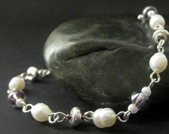 Handmade Beaded Bracelet - Pearl and Purple. Handmade Bracelet.