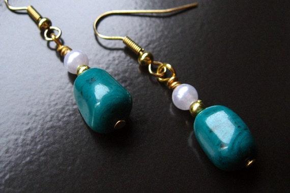 Beaded Teal Drop Earrings. Handmade Jewelry by Gilliauna