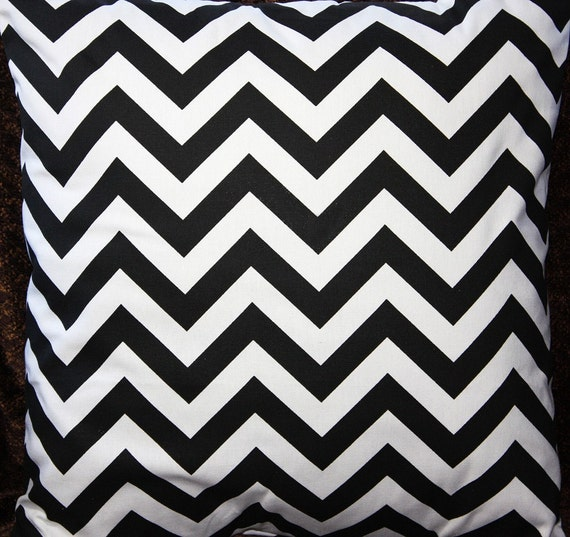 FREE U.S. SHIPPING - One 16x16 inch Designer Pillow Cover - Black and White Chevron Zig-Zag.