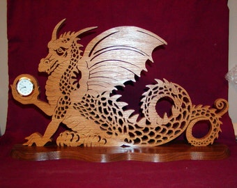 The keeper of time Very Detailed dragon clock oak and walnut wood!!