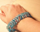 Blue Wavy Chinese Glass Stretch Bracelet