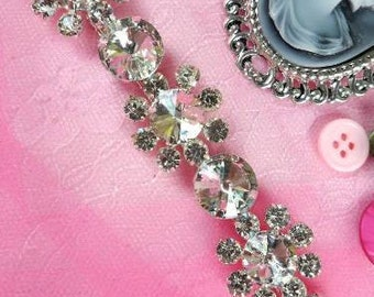 XR97 Floating Flower Rhinestone Trim 7/8""
