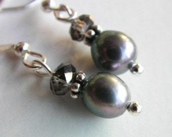 Fresh Grey Water Pearl Dangle Earrings, Pearl Earrings, Grey, Gray, Fresh Water Pearl Earrings, Culture Pearl, Genuine Pearl Earrings