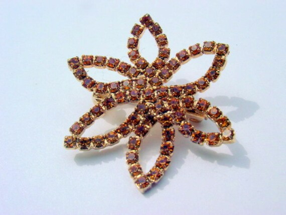 Vintage Rhinestone Flower Pin, Amber or Topaz colored Rhinestones Brooch Vintage Jewelry Costume Jewellery