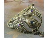 "Woman's Brass Bracelet / Armband: ""Shield of Ganesha"""