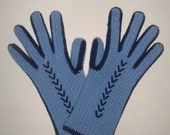 Light blue crochetwool gloves with dark blue criss-cross design (size M, EU-8)