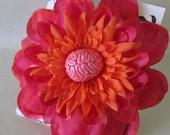 Brain flower hair clip pink orange