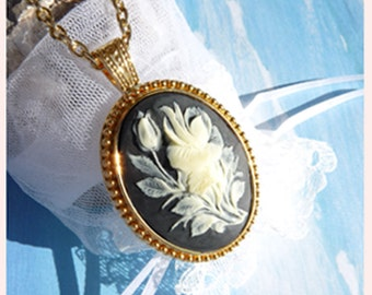 Detailed Rose- 16K Gold P Necklace   U 5549