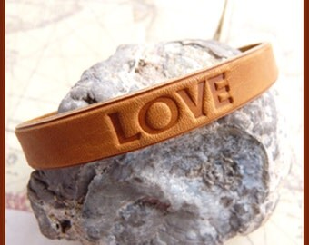 Leather For Him Or For Her - LOVE - Bracelet  B 6268