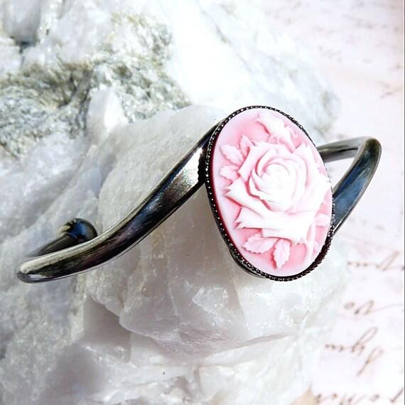 Ain't She Sweet-Antiqued Cuff-Bracelet R 1035