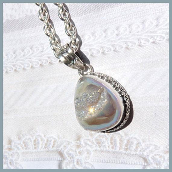Beautiful Druzy - Si Opal Druzy Sparkling Beauty - Necklace  C 7133