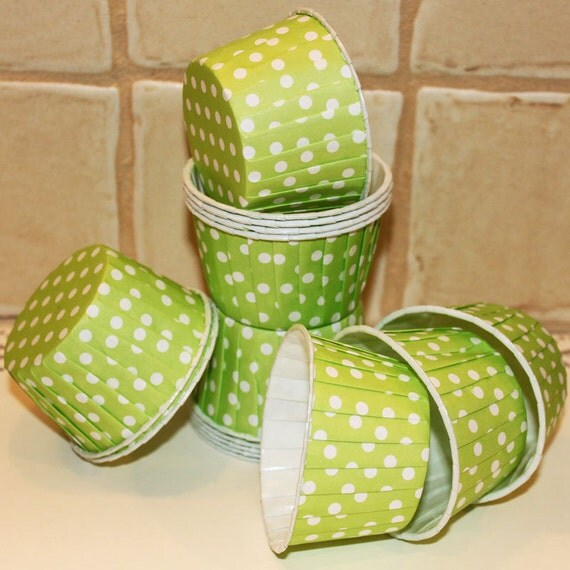Nut / Candy Cups - 20 LIME GREEN Dot Cupcake Baking Cups, Dessert Cups, Ice Cream, Party Supplies