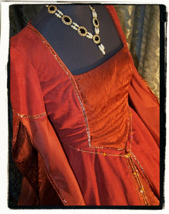 """Fire and Flame Tudor Renaissance Gown Bust 43"""""""