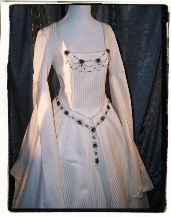 Purity tudor renaissance wedding gown bust 36 for Tudor style wedding dress
