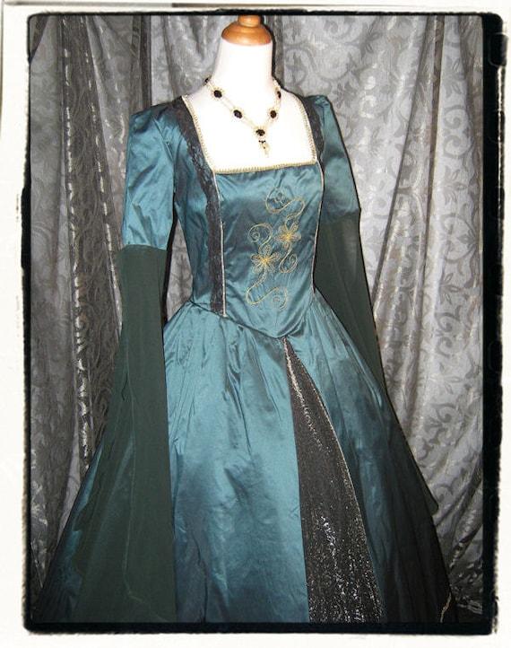 Envy tudor renaissance wedding gown bust 40 for Tudor style wedding dress