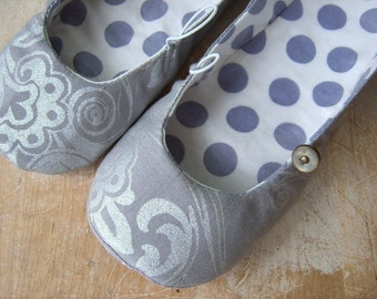 PDF Sewing Pattern - Vintage Flair Flats size 13 to 4 (approximately age 7 to women's size 6)
