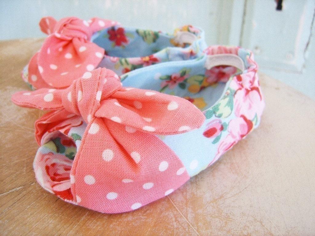 Baby Shoe Pattern. Open Toe Knotted Baby Shoe Pattern. Size