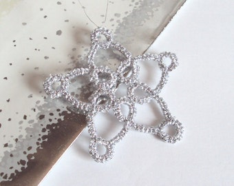 Silver Christmas Decoration in Tatting - Colena - Medium