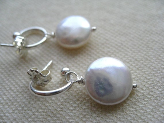 Pettite Hoop Earrings with Coin Pearl