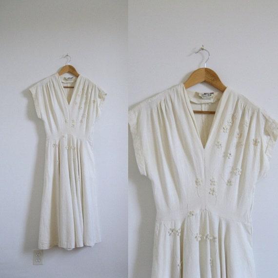 1950s Dress / 50s Marion McCoy Linen Floral Applique Dress / Size S