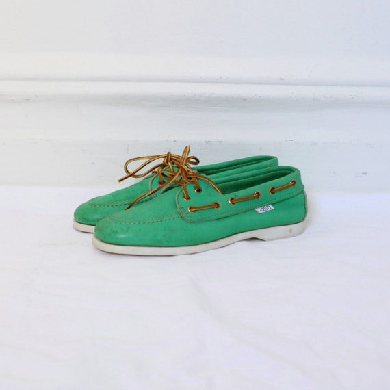 Boat Shoes / 1980s Bright Green Leather Loafers / Womens Docksiders (size 6.5)