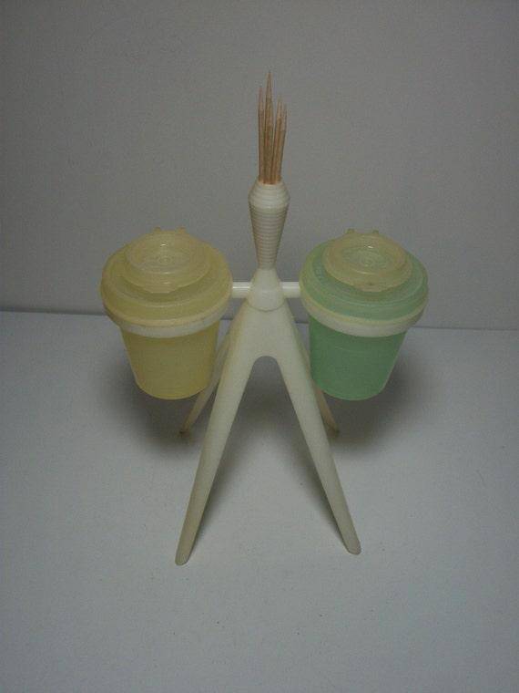 Vintage tupperware pastel salt and pepper shaker with stand for Vintage tupperware salt and pepper shakers