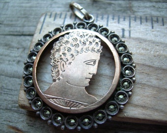 vintage antique 925 and 10 K gold marcasite pendant with a hand etched portrait of who could possibly be Ceasar