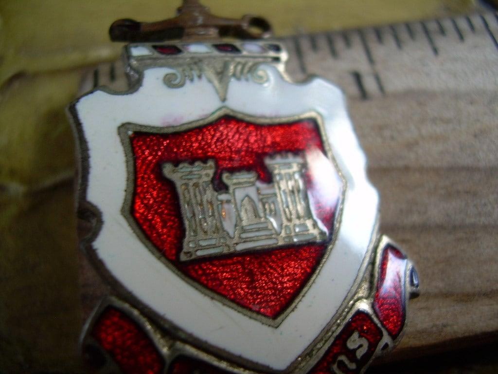 Old Vintage Antique Essayons Heraldic Militaria Style Brooch