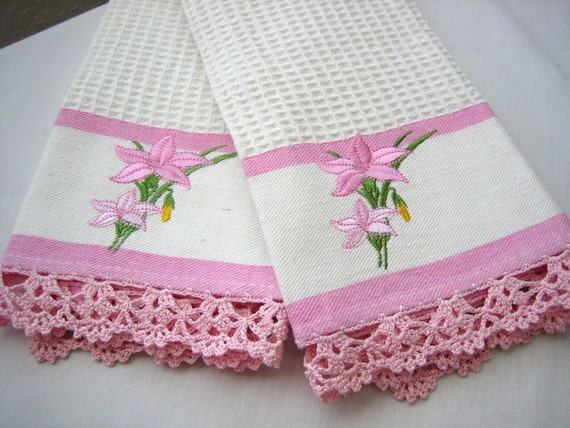 Set of 2 kitchen towels, hand crochet edged,pink/white, new