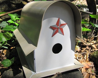Metal Birdhouse, Barn Bird House, Lucky Star