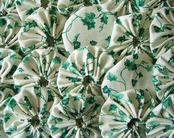30 Green Ivy  2  inch Yo Yo Fabric Quilt  Block Embellishment Applique Trim Pieces