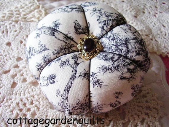 Black Toile   Pincushion Sewing Notion