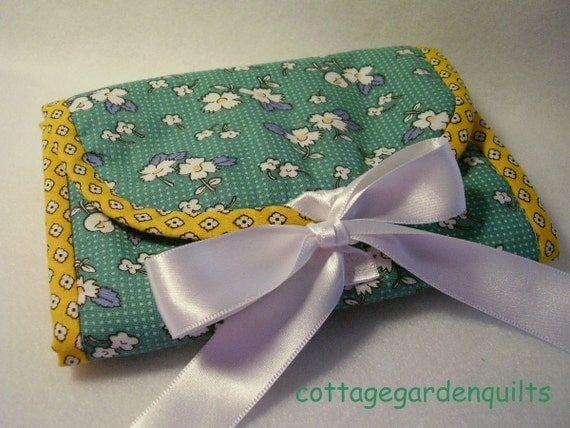Reproduction Feedsack  Needle Case Book Organizer,  Sewing Wallet, Travel case, Sewing Kit, Quilting