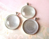 5 Pendant Trays with Glass Inserts - 30 mm Diameter Cabochon Settings