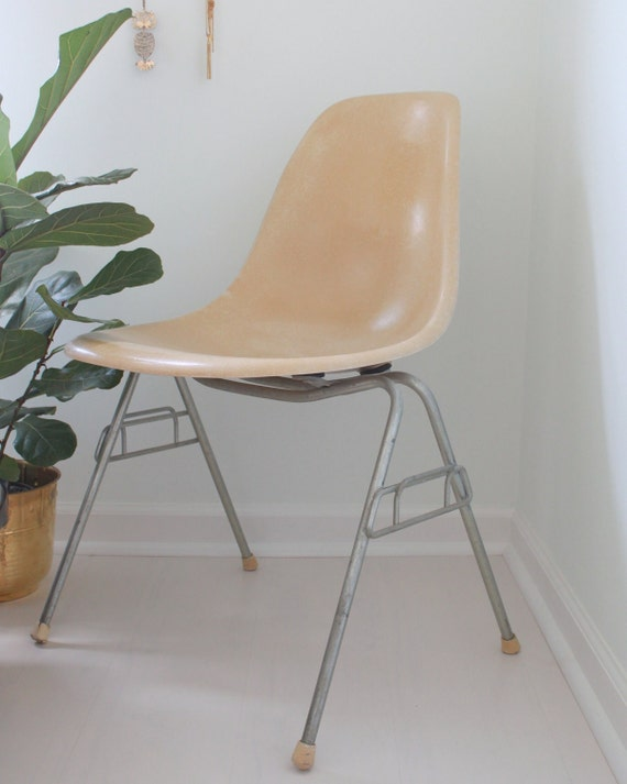 1950's Herman Miller Fiberglass Chair - Light Yellow