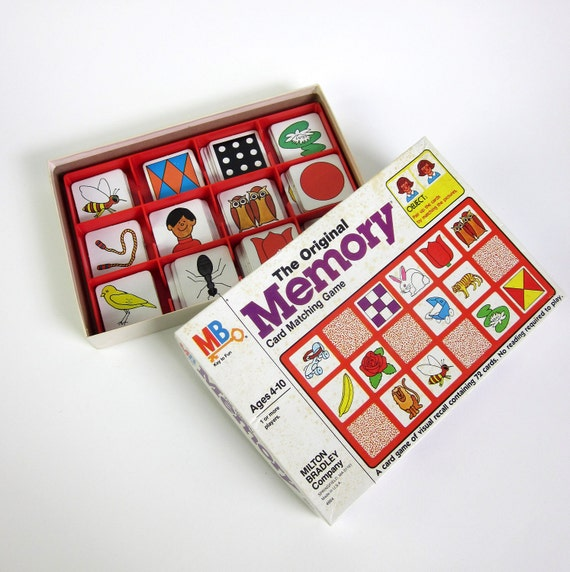 Milton Bradley MEMORY Game 1980 / Complete