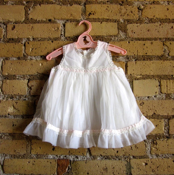 Childs Size 1T Gathered Skirt Nightgown 60s / Vintage Her Majesty
