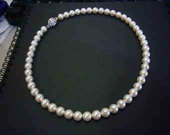 Classic White Cream Ivory Rosaline Elegant 18KGP 8mm Swarovski Pearl Necklace 1 strand 16.5 Inches (41.5cm) 27 Colour Choices