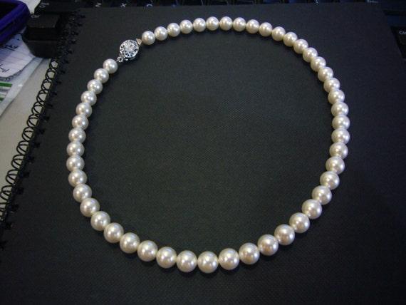 Classic White Cream Ivory Rosaline Elegant 18KGP 8mm Swarovski Pearl Necklace 1 strand 16.5 Inches (41.5cm) 27 Colour Choices