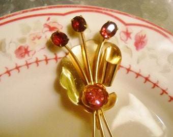 1940s Coro Pink Bouquet Brooch
