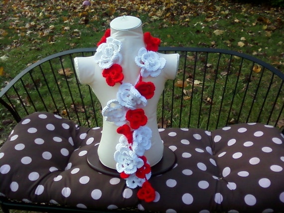 Gift for Women, Crochet Flower scarf white and red  Crochet Accessorie Winter Accessorie  Fashion  Ready to ship Custom Orders Welcome