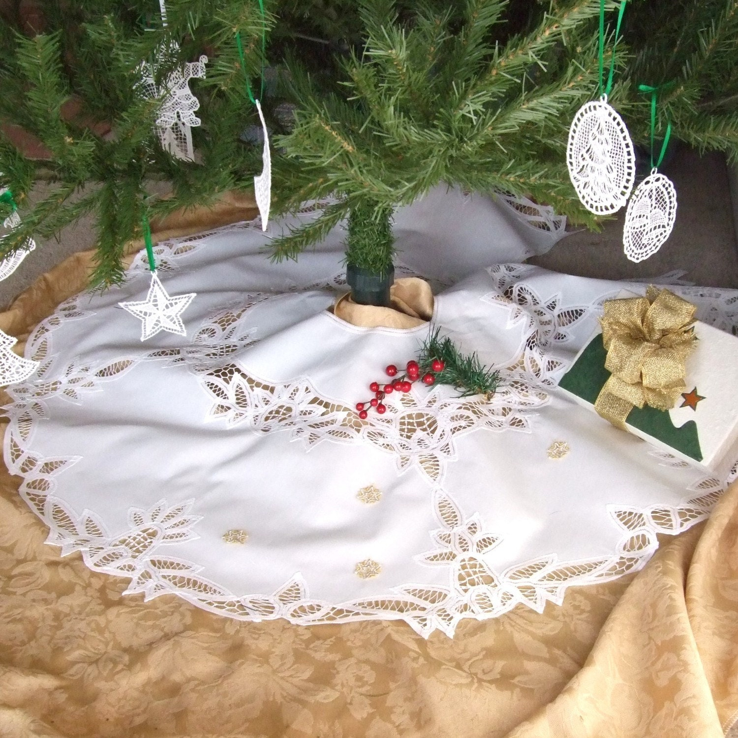Battenburg Lace Christmas Tree Skirt With Snowflakes